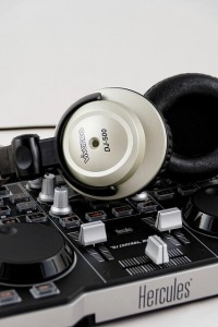 DJ Mixer mit Kopfhörer